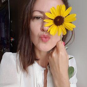 Angela Almas