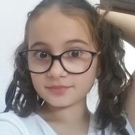KARINA DOBRE