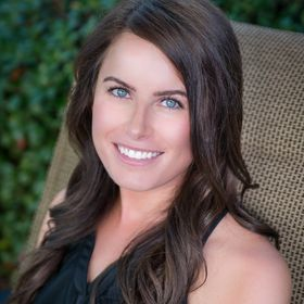 Ashley Enget | Online Business Coach for Coaches | Want a 6 Figure Business?