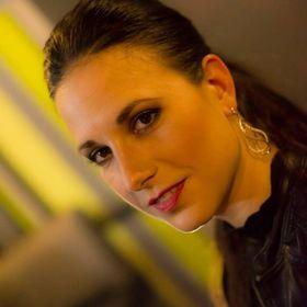 Michala Merinska Make-Up Arist