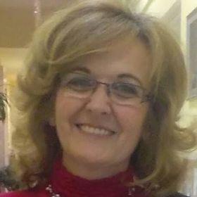 Erzsébet Tőrös