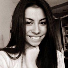 Lia Larisa