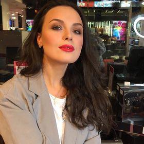 Marika Si.makeup
