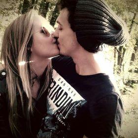 Val en Elisabetta dating Hoe te om het perfecte daterende profiel online te schrijven