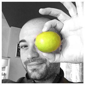Emil Ceron - Social Media Lime