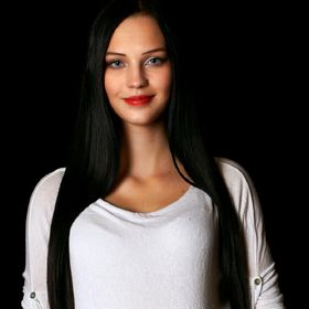 Viktoria Kozmová