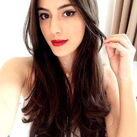 Gabrielle Sousa Lazzari