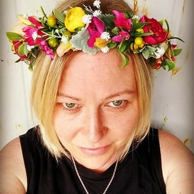 Blooming Lovely Bouquets - amazingly natural artificial bouquets, flower crowns and accessories.