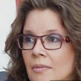 Monique Hen