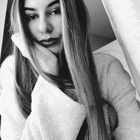 Júlia Valčová