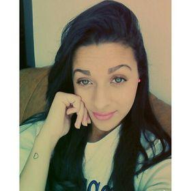 Theandra Almeida