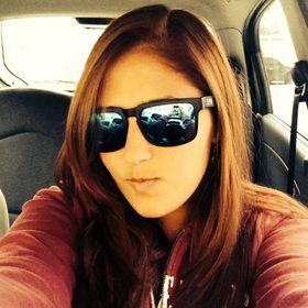 Melanie Carranza