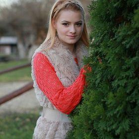 Debora Szatmari