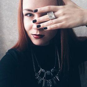 Yana Pustovalova
