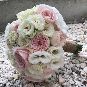 Stefania Armenio Wedding Flowers Designer