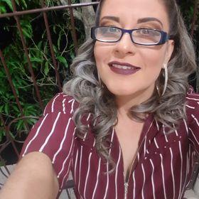 Indira Leon
