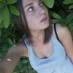 Mónika Máthé