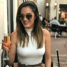 Mia Sara Santana