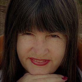 Deborah Hunter Kells - Practical Organiser & Virtual Assist