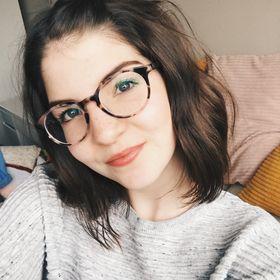 Charlotte - Lottiethings Lifestyle Blogger