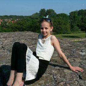 Oreskó Lili
