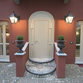 Porta Palace Apartments
