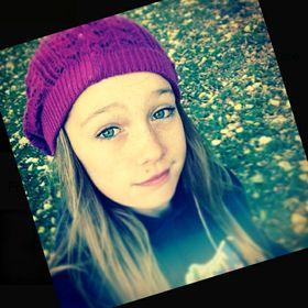 Annika Rose (redbmbxprincess) on Pinterest