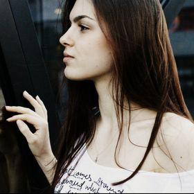 Angelina Gelios