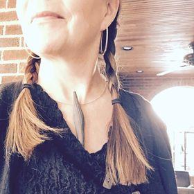 Meg Dickerson