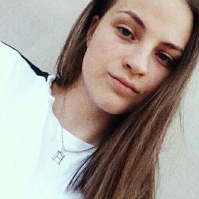 Helga Ésik