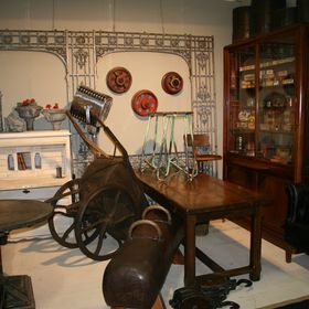 Angell Antiques