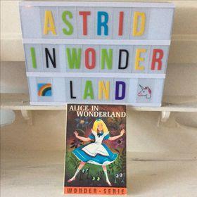 Astrid.in.Wonderland