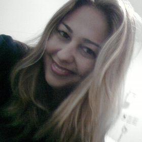 Aline Ferrarezi