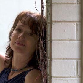 Julie Mayo Artist