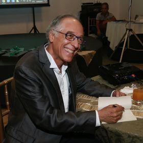 Adalberto Queiroz