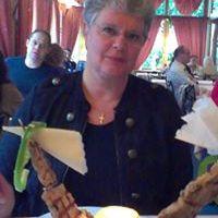 Constance van den Heuvel