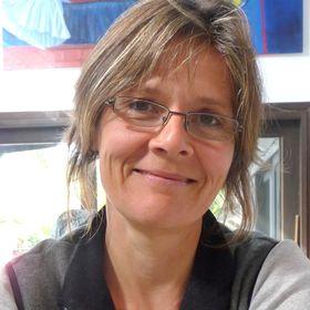 Claudia M Gyr