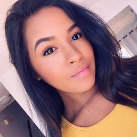 Adriana Cade