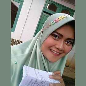 Siti Hafidhatur R