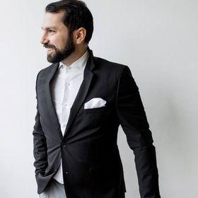 Vasilis Kouroupis | Fine Art Wedding Photographer in Greece