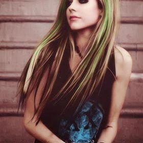 Efşan Lavigne