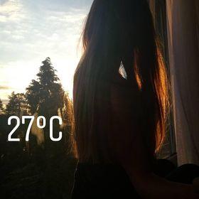 Justyna ;v