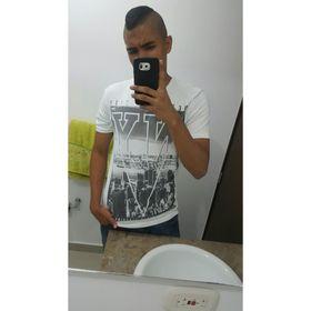 Andres Avenia
