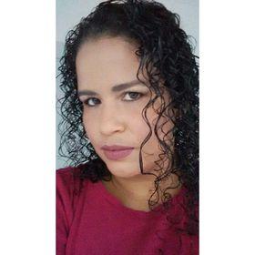 Eliene Araújo