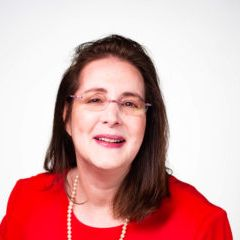 Dorlee Michaeli | Therapy + Social Work Career Tips