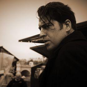 Novelist, Roman Payne