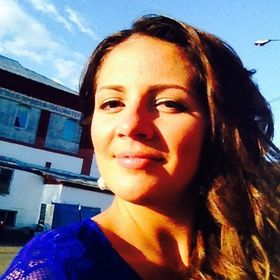 Adrianne Ana