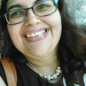 Cláudia Tavares