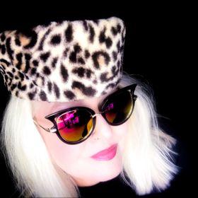 Blond_cheryl39