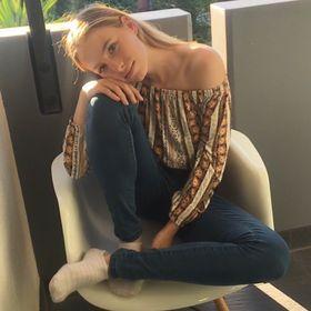 Samantha Bury